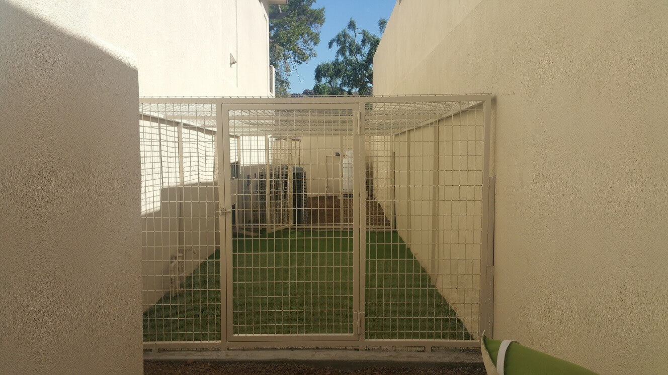 Side yard Kennels